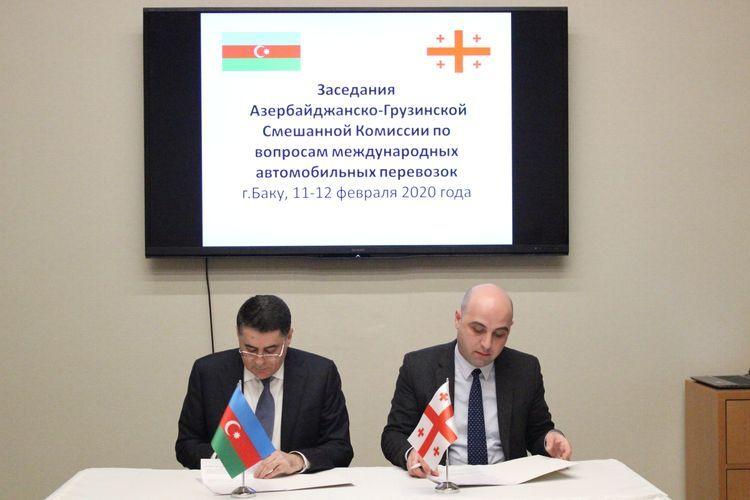 В Баку обсудили осуществляемые грузинскими автобусами незаконные пассажироперевозки