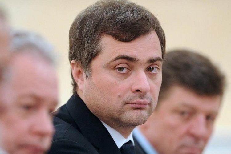 Putin Vladislav Surkovu prezidentin köməkçisi vəzifəsindən azad edib
