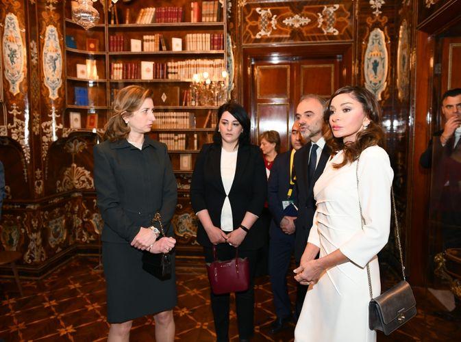 Azərbaycanın birinci xanımı Mehriban Əliyeva İtaliyanın Kuirinale Sarayı ilə tanış olub