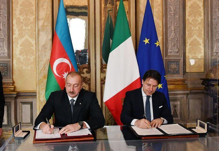Проведен обмен документами между Азербайджаном и Италией