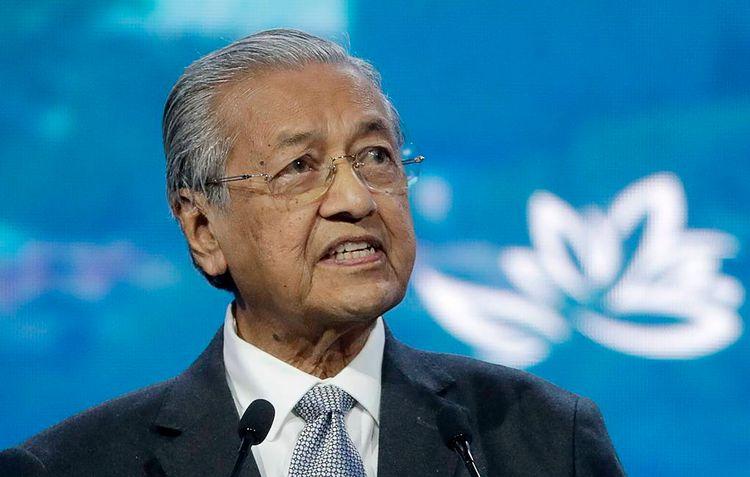 Премьер Малайзии Махатхир Мохамад подал в отставку