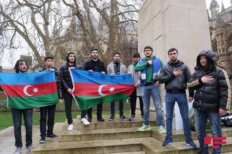 В Лондоне прошло шествие в связи с 28-й годовщиной Ходжалинского геноцида – ФОТО