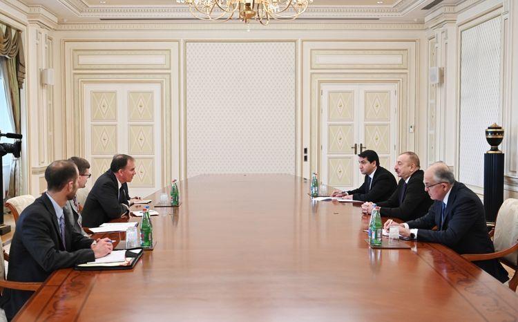 Президент Ильхам Алиев принял советника заместителя госсекретаря США по энергетической дипломатии - ОБНОВЛЕНО