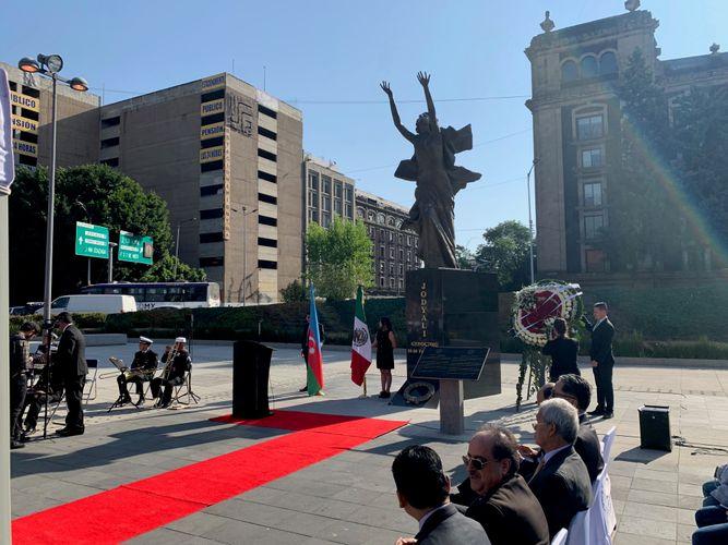 Mexikonun Xocalı meydanında soyqırımı qurbanları anılıb
