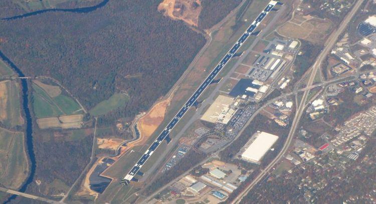 Passenger plane makes emergency landing in North Carolina