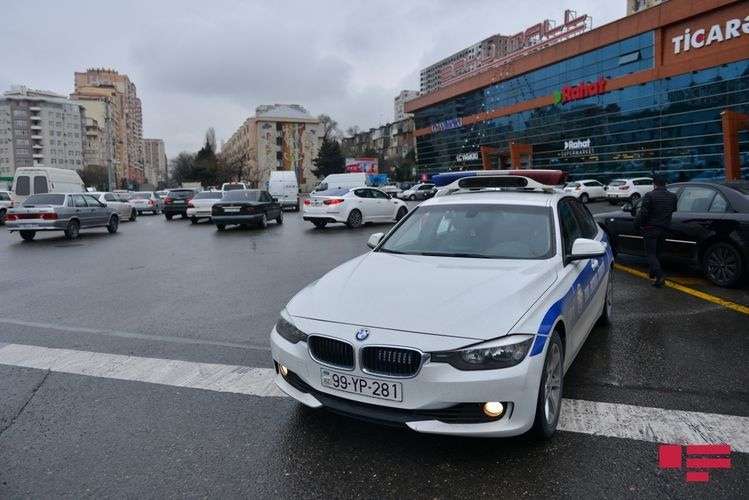 Baku Traffic Police appeals to drivers and pedestrians on worsening weather condition