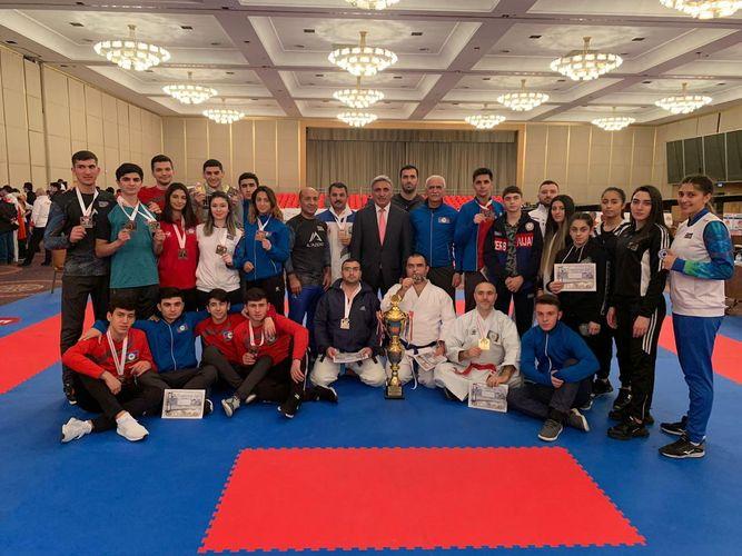 """Azərbaycan karateçiləri """"Bosfor kuboku""""nda 21 medal qazanıb"""