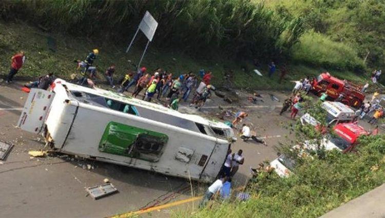 Peruda yol qəzasında 14 nəfər ölüb, 48 nəfər yaralanıb