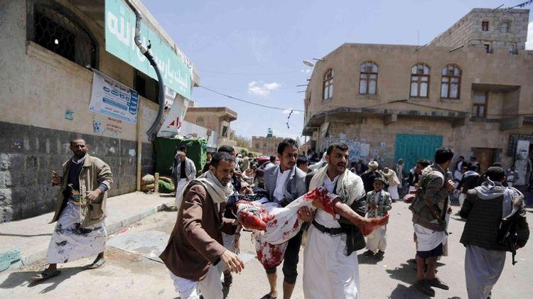 В Йемене неизвестный расстрелял людей в мечети