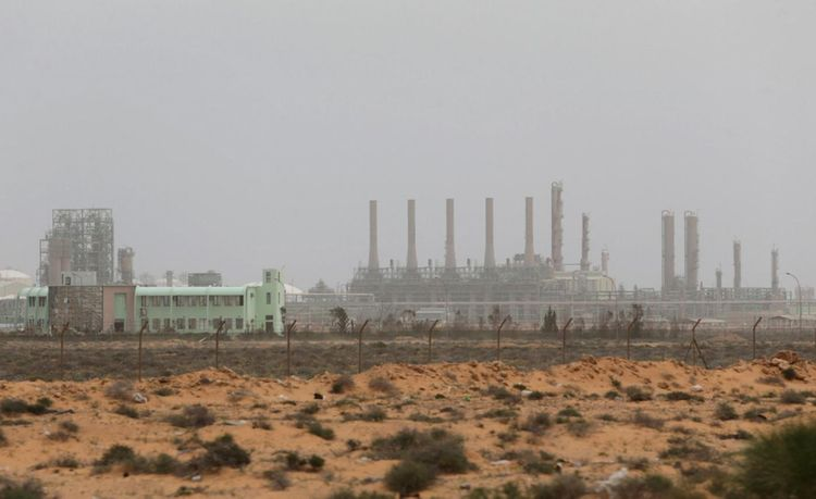 Eastern Libyan protesters enter Zueitina oil port, announce its closure