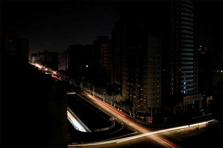 В Венесуэле произошли массовые отключения электричества и интернета