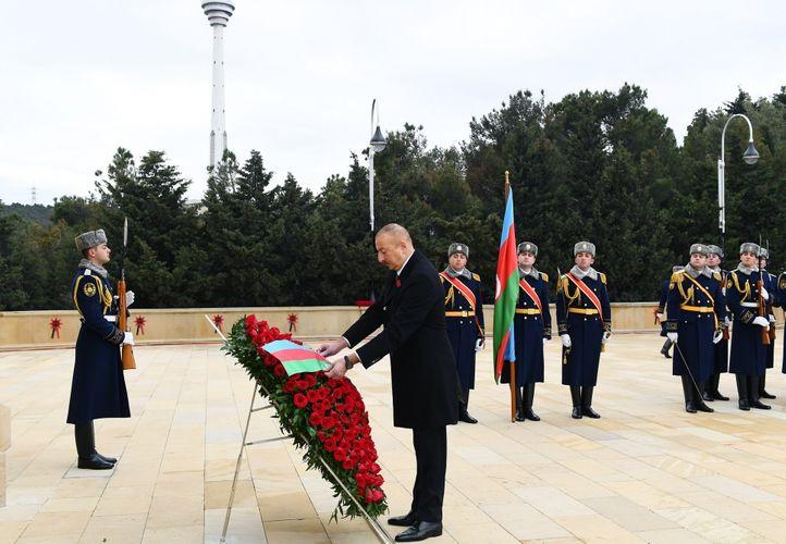 Azərbaycan Prezidenti Şəhidlər xiyabanını ziyarət edib