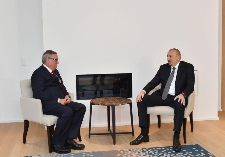 Президент Ильхам Алиев встретился в Давосе с президентом – председателем правления Банка ВТБ