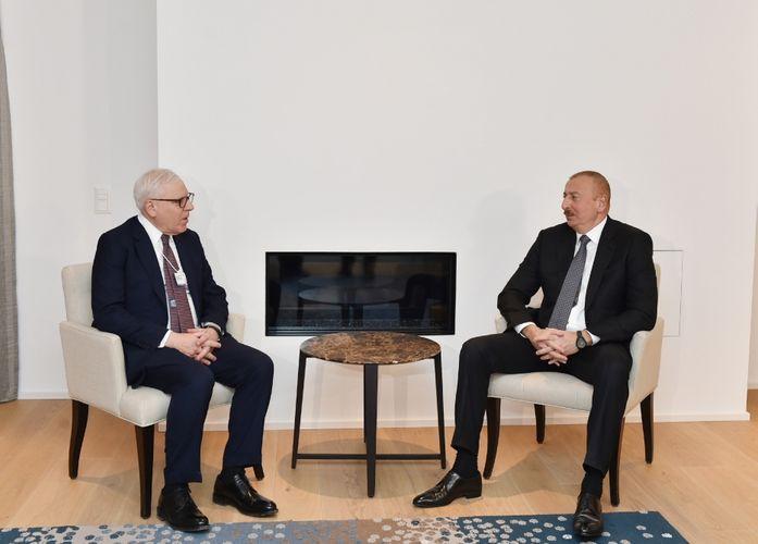 В Давосе состоялась встреча президента Азербайджана с соучредителем компании Carlyle Group