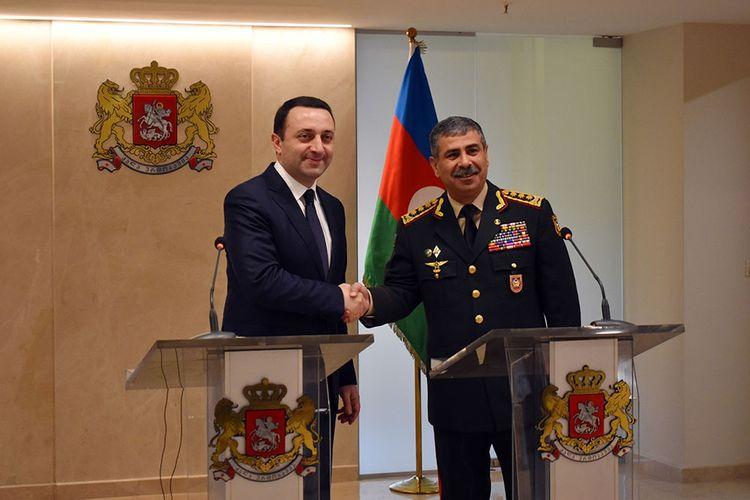 Azərbaycanla Gürcüstan arasında ikitərəfli hərbi əməkdaşlıq planı imzalanıb