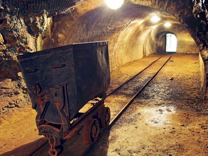Азербайджан увеличил добычу золота и серебра