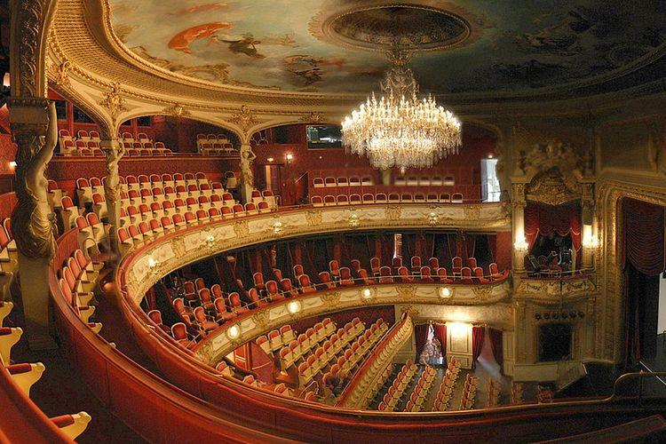 Ötən il teatrlara 700 min tamaşaçı gəlib