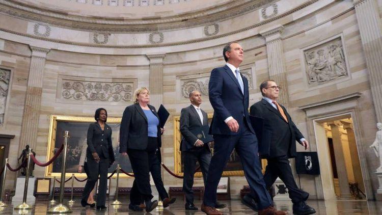 В сенате США начались слушания по импичменту Трампу