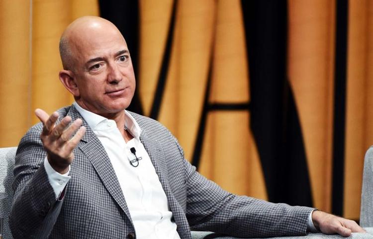Безос вернул лидерство в списке богатейших людей мира
