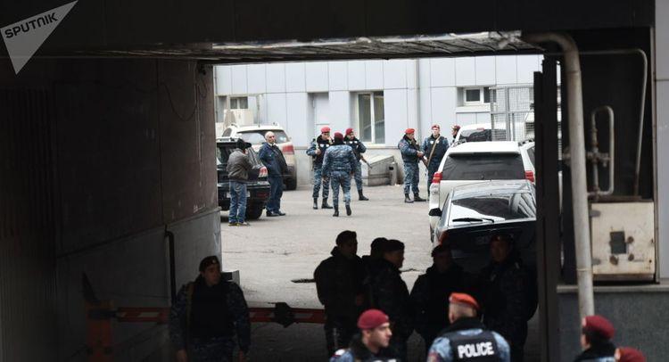 Неизвестный открыл стрельбу в гостинице в Ереване - ОБНОВЛЕНО