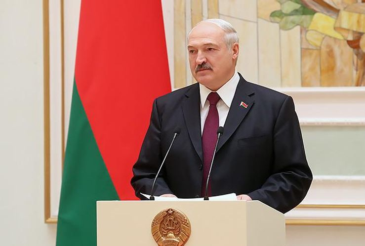 Belarusian president approves draft protocol on amending gas deal with Russia