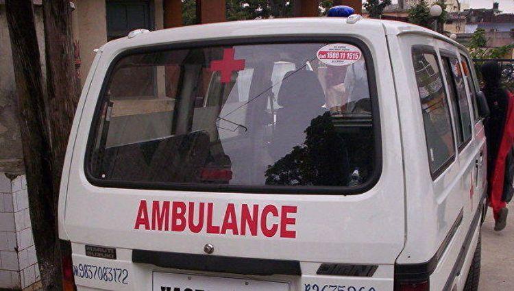 После обрушения здания в Нью-Дели госпитализировали 13 человек
