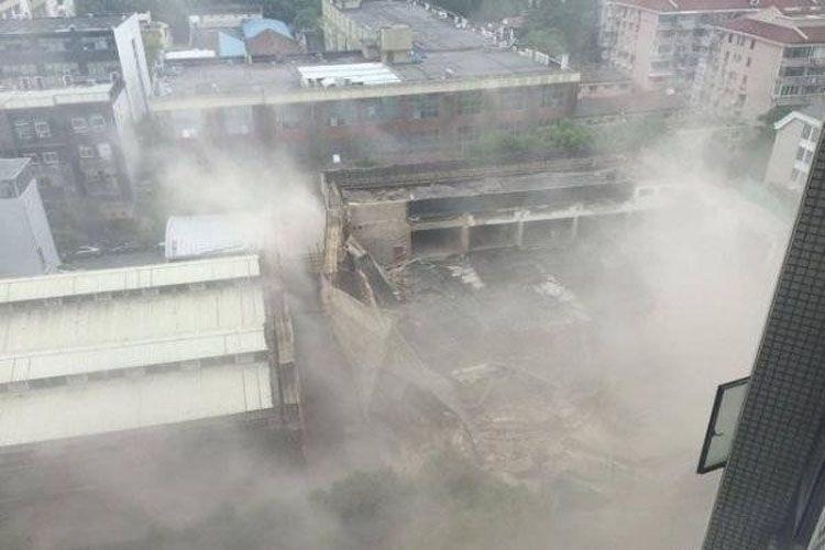 В Индии при обрушении здания погибли пять человек