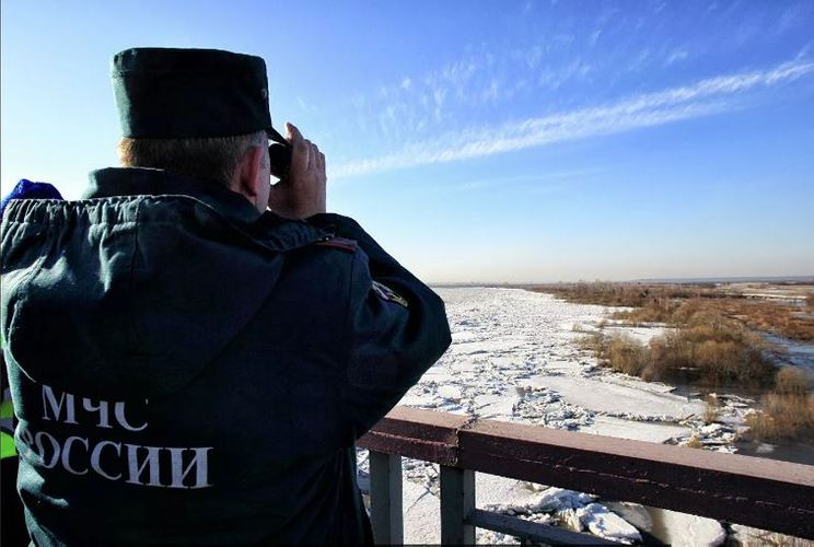 Rusiyada 2 azyaşlı qız buzun qırılması nəticəsində çayda boğulub