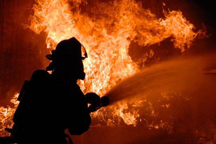 В Пакистане восемь человек погибли при пожаре на заводе
