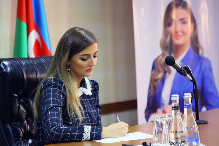 ® Parlament seçkilərində ilk dəfə iştirak edəcək Könül Nurullayeva seçki kampaniyasını aktiv şəkildə davam etdirir