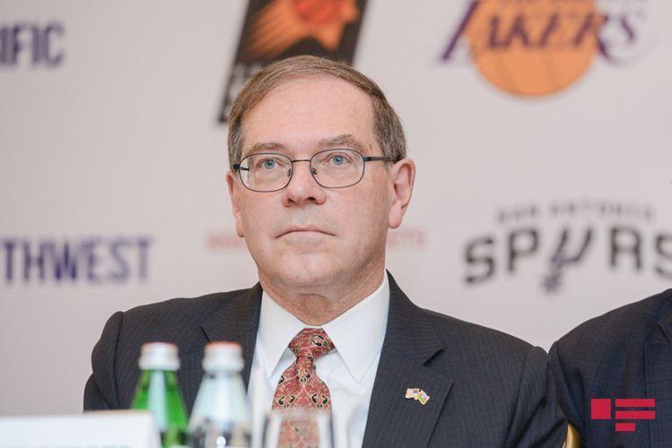 "US Ambassador: ""Basketball world lost such a legend as Kobe Bryant"""