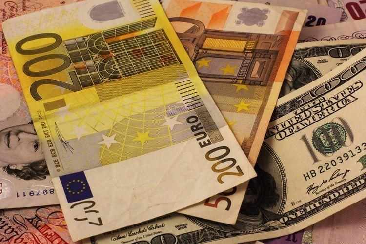 Стратегические валютные резервы Азербайджана превысили 52 млрд. долларов