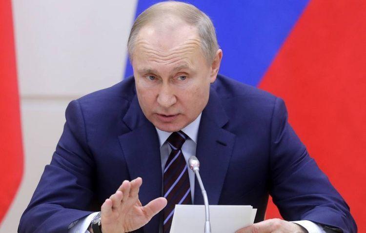 Putin discusses coronavirus issue with Security Council