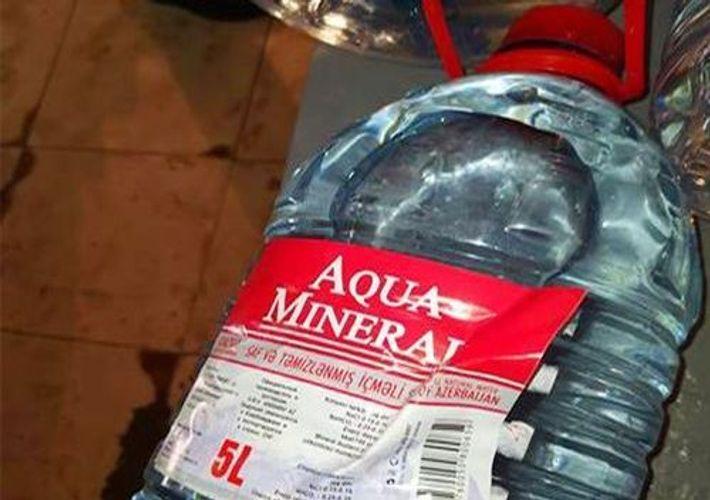 В производимой в Баку негазированной воде была обнаружена кишечная палочка