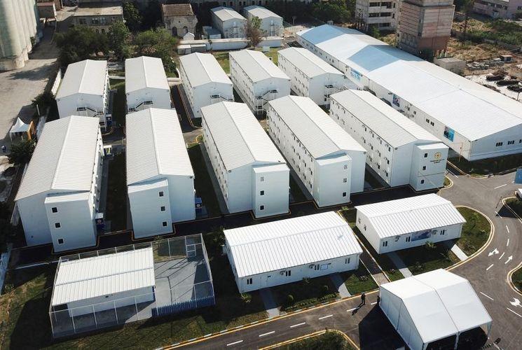 В госпитале модульного типа МЧС установлены дезинфекционные туннели – <span class=