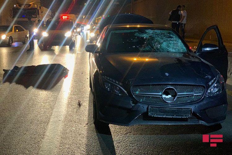 Bakıda avtomobil piyadanı vuraraq öldürüb - <span class='red_color'>FOTO</span> - <span class='red_color'>VİDEO</span>