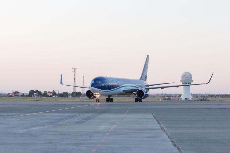AZAL выполнил чартерный рейс из Дубая  - <span class=
