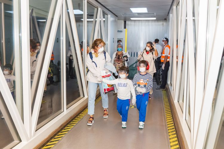 AZAL выполнил чартерный рейс из Дубая  - <span class='red_color'>ФОТО</span>