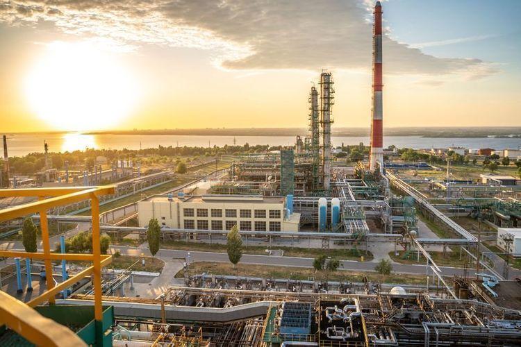 IEA qlobal neft emalı üzrə proqnozunu azaldıb