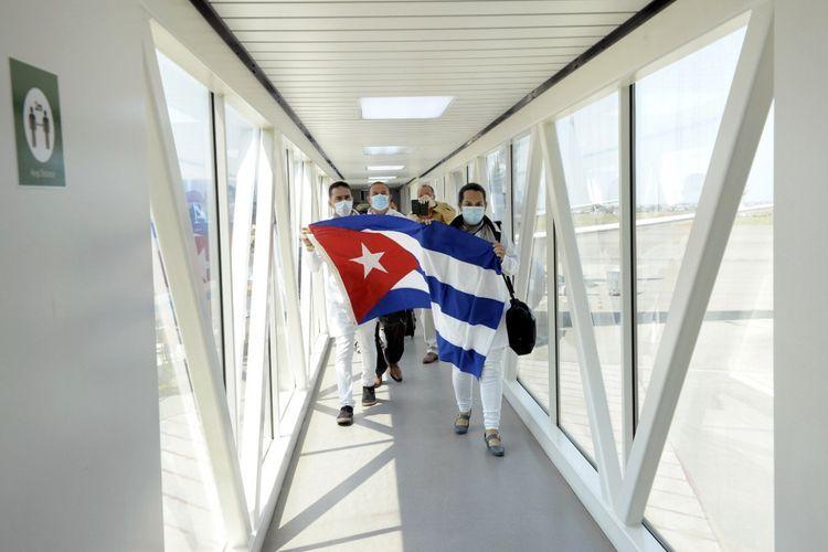В Азербайджан прибыли 115 кубинских медиков, специализирующихся в сфере борьбы с COVID-19