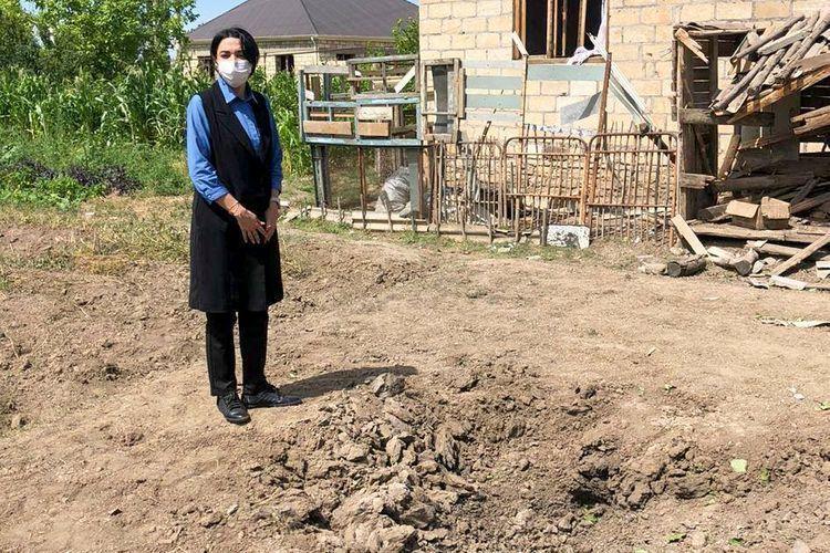 Омбудсмен посетила дома, разрушенные в результате обстрела ВС Армении