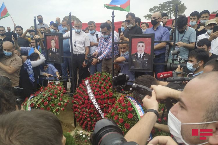 General Polad Hashimov and Colonel Ilgar Mirzayev buried in the 2nd Alley of Honors