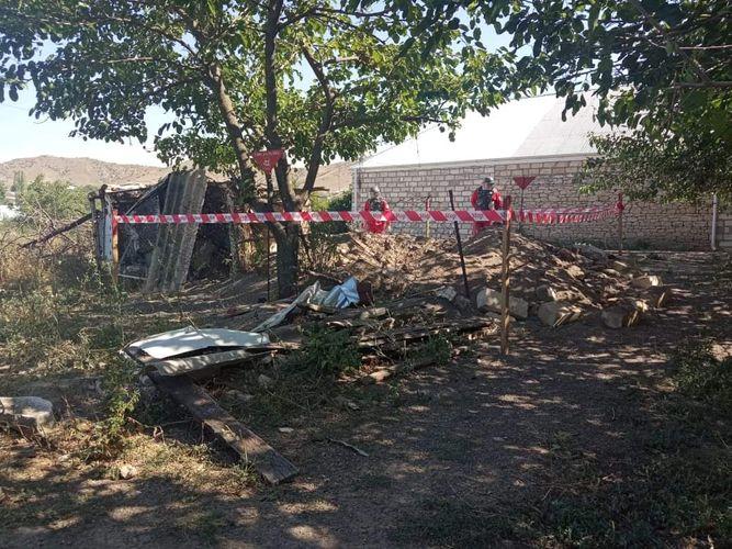 Tovuzda həyətyanı sahədə Ermənistan hərbçiləri tərəfindən atılmış top mərmisinin qalıqları aşkarlanıb
