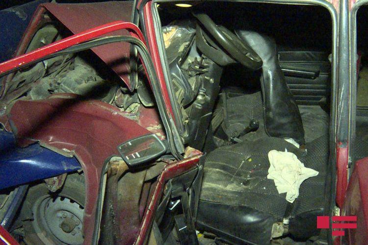 Severe traffic accident kills 2, injures 4 in Baku