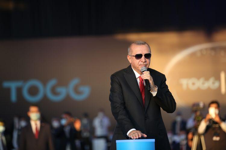 Erdogan lays cornerstone for Turkey's 1st car plant