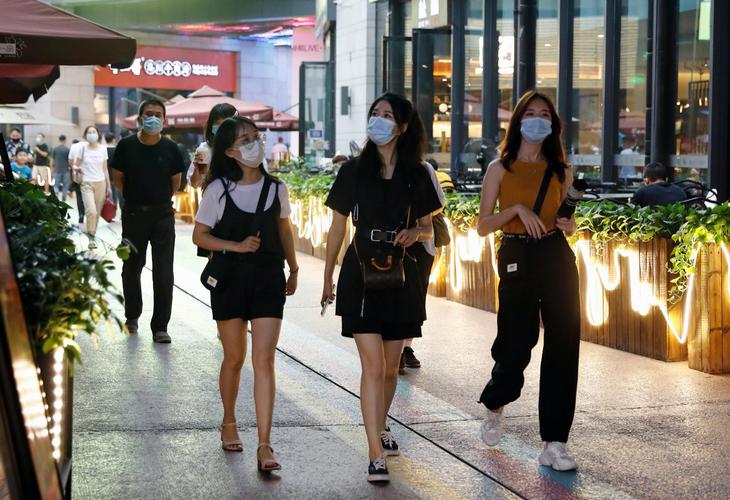 Mainland China reports 22 new coronavirus cases including 17 in Xinjiang