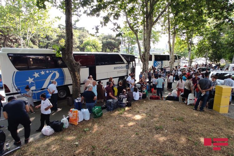 175 Azerbaijani citizens evacuated from Georgia sent from Tbilisi - <span class=
