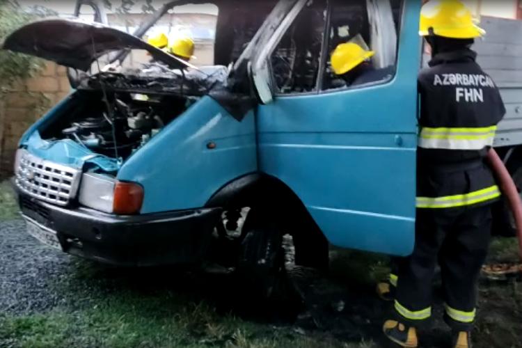 Zaqatalada avtomobil yanıb