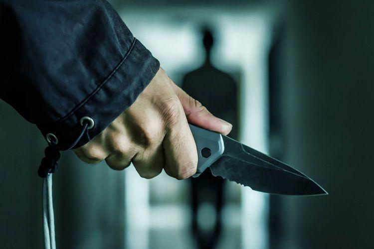Bakıda qadın və kişi bıçaqlanıb