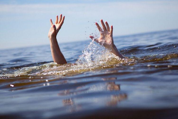 Sumqayıtda iki nəfər dənizdə batıb